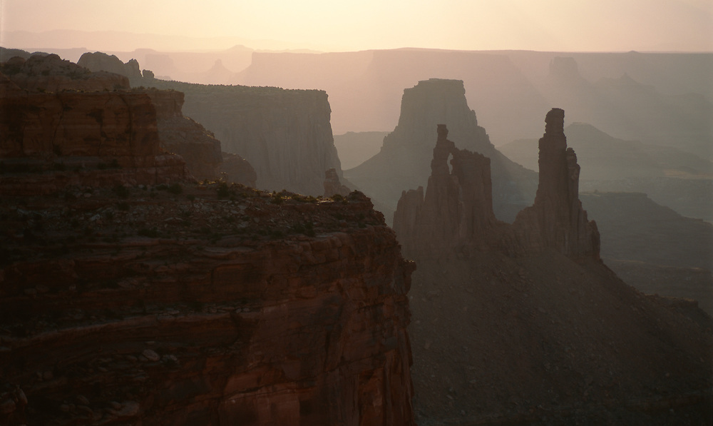 Sunrise, Washerwoman Arch from Mesa Arch, Island In The Sky, Canyonlands National Park