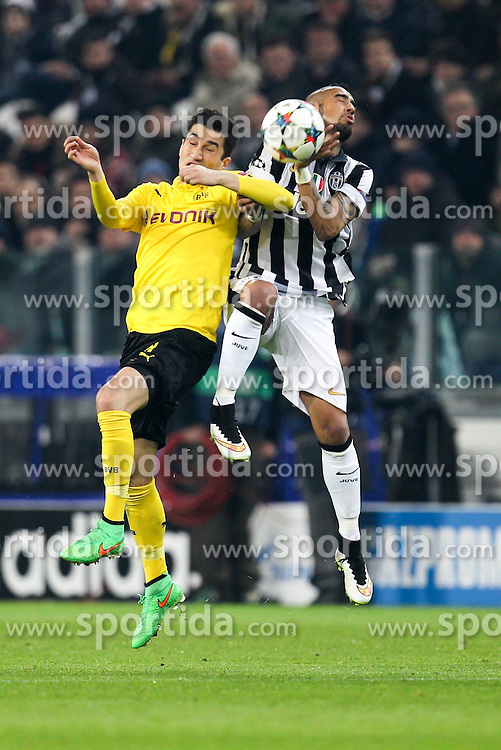 24.02.2015, Veltins Arena, Turin, ITA, UEFA CL, Juventus Turin vs Borussia Dortmund, Achtelfinale, Hinspiel, im Bild l-r: im Zweikampf, Aktion, Kopfballduell mit Nuri Sahin #18 (Borussia Dortmund) und Arturo Vidal #23 (Juventus Turin) // during the UEFA Champions League Round of 16, 1st Leg match between between Juventus Turin and Borussia Dortmund at the Veltins Arena in Turin, Italy on 2015/02/24. EXPA Pictures &copy; 2015, PhotoCredit: EXPA/ Eibner-Pressefoto/ Kolbert<br /> <br /> *****ATTENTION - OUT of GER*****