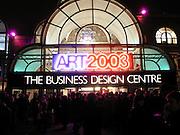 Art 2003 London Art Fair opening. Business Design Centre.  14 January 2003. © Copyright Photograph by Dafydd Jones 66 Stockwell Park Rd. London SW9 0DA Tel 020 7733 0108 www.dafjones.com