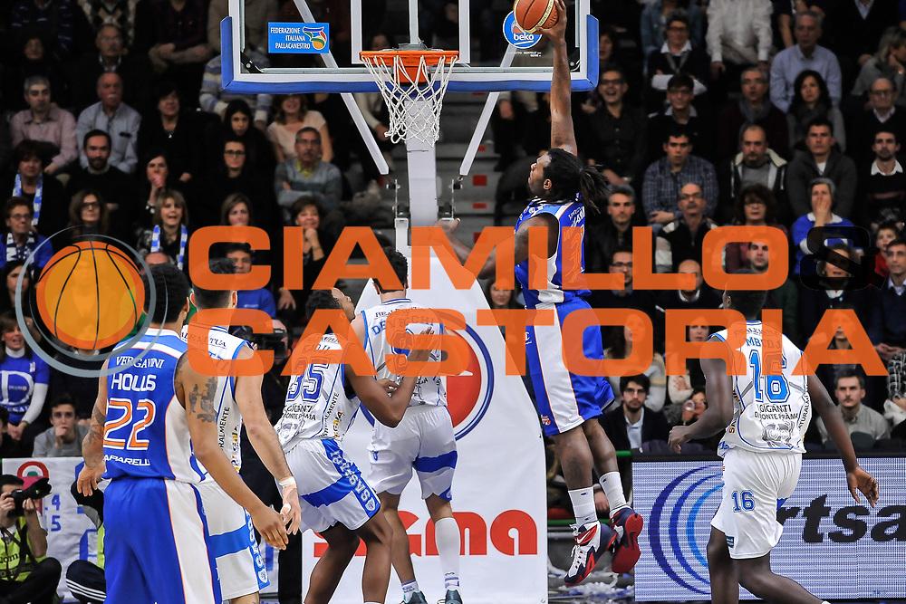 DESCRIZIONE : Campionato 2014/15 Serie A Beko Dinamo Banco di Sardegna Sassari - Acqua Vitasnella Cantu'<br /> GIOCATORE : Eric Williams<br /> CATEGORIA : Schiacciata Controcampo<br /> SQUADRA : Acqua Vitasnella Cantu'<br /> EVENTO : LegaBasket Serie A Beko 2014/2015<br /> GARA : Dinamo Banco di Sardegna Sassari - Acqua Vitasnella Cantu'<br /> DATA : 28/02/2015<br /> SPORT : Pallacanestro <br /> AUTORE : Agenzia Ciamillo-Castoria/L.Canu<br /> Galleria : LegaBasket Serie A Beko 2014/2015
