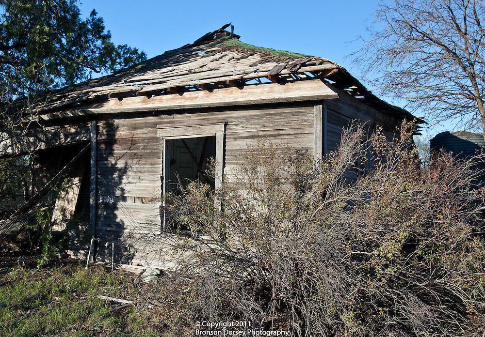 Abandoned house in community of Medicine Mound, Texas.