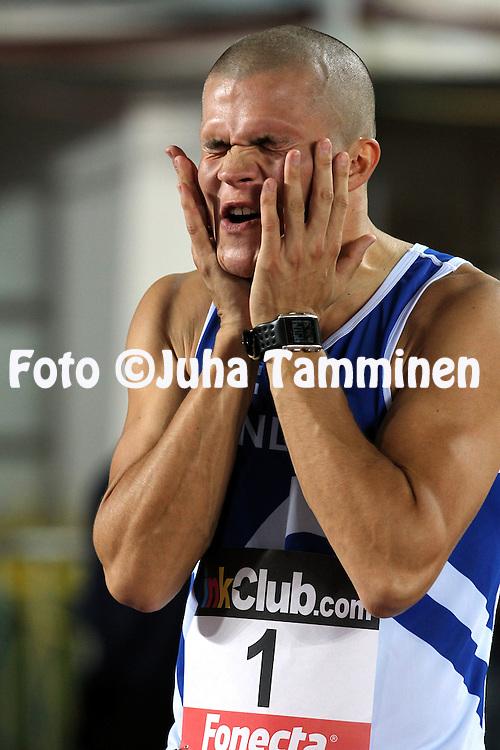 9.9.2011, Olympiastadion, Helsinki..Suomi - Ruotsi yleisurheilumaaottelu. Miesten 400 m..Ville Wendelin - Suomi