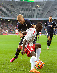 29.07.2015, Red Bull Arena, Salzburg, AUT, UEFA CL, FC Salzburg vs Malmoe FF, Qualifikation, 3. Runde, Hinspiel, im Bild v.l.: Anton Tinnerholm (Malmoe), Naby Keita (FC Red Bull Salzburg) // during the UEFA Championsleague Qualifier 3rd round, 1st Leg Match between FC Salzburg and Malmoe FF at the Red Bull Arena in Salzburg, Austria on 2015/07/29. EXPA Pictures © 2015, PhotoCredit: EXPA/ JFK