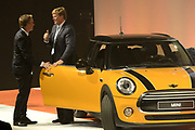 Koning Willem Alexander heropent VDL Nedcar. De autofabriek VDL Nedcar is omgebouwd en heringericht voor de productie van de nieuwe MINI in opdracht van BMW. <br /> <br /> King William Alexander reopens VDL Nedcar. The car factory VDL Nedcar has been converted and refurbished for the production of the new MINI commissioned by BMW.<br /> <br /> Op de foto / On the photo: <br />  Zijne Majesteit Koning Willem-Alexander samen met Art Rooijakkers<br /> <br /> His Majesty King Willem-Alexander together with Art Rooijakkers