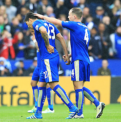 Leonardo Ulloa of Leicester City leaves the pitch with an injury - Mandatory by-line: Matt McNulty/JMP - 24/04/2016 - FOOTBALL - King Power Stadium - Leicester, England - Leicester City v Swansea City - Barclays Premier League