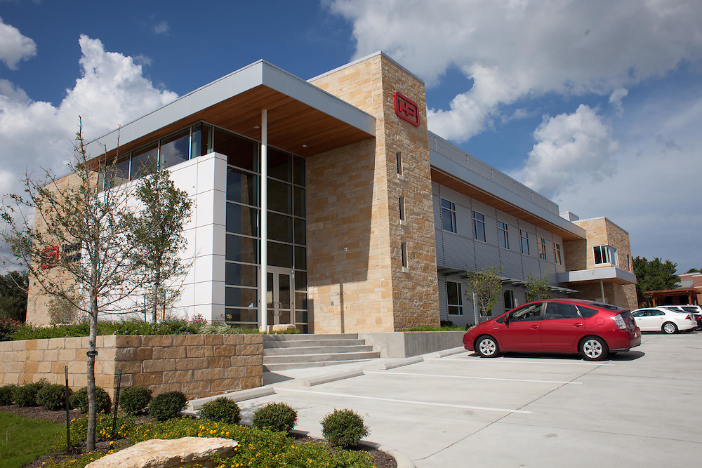 Hensel Phelps Construction - Southwest Region Headquarters