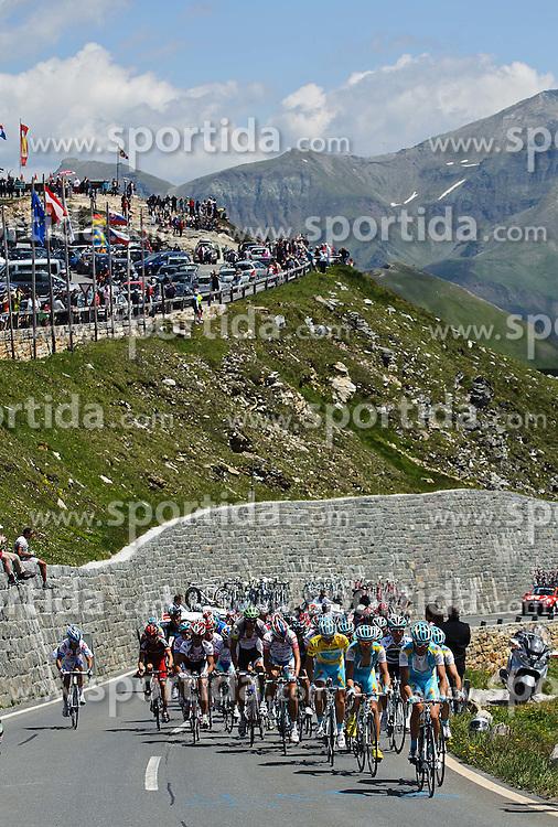 06.07.2011, AUT, 63. OESTERREICH RUNDFAHRT, 4. ETAPPE, MATREI-ST. JOHANN, im Bild das Feld der Fahrer mit Fredrik Kessiakoff, (SWE, Pro Team Astana) vor dem Hochtor // during the 63rd Tour of Austria, Stage 4, 2011/07/06, EXPA Pictures © 2011, PhotoCredit: EXPA/ S. Zangrando