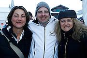 12.Jan.2012; Adelboden; Ski alpin - Riesenslalom Adelboden 2013; Susanne Beck, Daniel Eschmann und Deniese Schaller vl. der Firma Hauenstein. (Christian Pfander/freshfocus)
