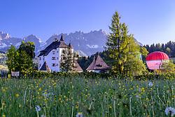 THEMENBILD - Das Schloss Münichau im Morgendlichen Sonnenaufgang, aufgenommen am 27. Mai 2017, Reith, Österreich // The Schloss Münichau in the early morning sunrise at Reith, Austria on 2017/05/27. EXPA Pictures © 2017, PhotoCredit: EXPA/ Stefan Adelsberger