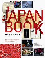 Japan Book<br /> <br /> Photos, carnets et dessins par Veronique Durruty, issus de 15 ans de voyages au Japon<br /> <br /> 38 euros le livre seul, transport en sus<br /> <br /> 85 euros le livre avec tirage de t&ecirc;te num&eacute;rot&eacute; et sign&eacute;, limit&eacute; &agrave; 100 exemplaires, transport offert en France m&eacute;tropolitaine<br /> <br /> ouvrage sign&eacute;, avec un dessin de Veronique Durruty<br /> <br /> possibilit&eacute; de d&eacute;dicace<br /> <br /> contact<br /> v.durruty@gmail.com