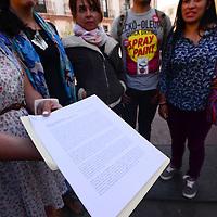 """Toluca, México (Abril 14, 2016).- Un grupo de actores locales se expresaron en contra del proceso de selección que se llevó a cabo para la integración de la nueva Compaía de Teatro de Toluca, al cual señalaron como """"amañado y discriminatorio"""".  Agencia MVT / Crisanta Espinosa"""