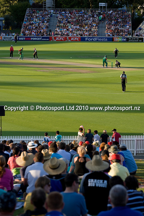 General view during the National Bank Twenty20 Series cricket match between Bangladesh and New Zealand Blackcaps at Seddon Park, Hamilton, New Zealand, Wednesday 03 February 2010. Photo: Stephen Barker/PHOTOSPORT