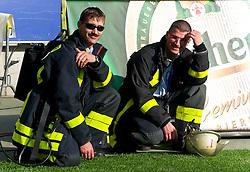 07.05.2011, Commerzbank-Arena, Frankfurt, GER, 1. FBL, Eintracht Frankfurt vs 1.FC Koeln, im Bild die Feuerwehr ist bereit bei Bedarf einzugreifen, EXPA Pictures © 2011, PhotoCredit: EXPA/ nph/  Roth       ****** out of GER / SWE / CRO  / BEL ******