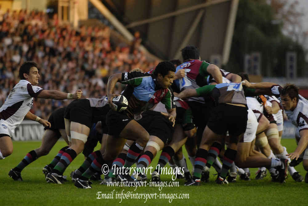 Twickenham, GREAT BRITAIN, Quin's Chris HALA'UFIA breaks from the back of the scrum, during the Guinness Premiership match, NEC Harlequins and Leicester Tigers, at the Twickenham Stoop Stadium, ENGLAND, 23/09/2006. [Photo, Peter Spurrier/Intersport-images].