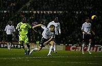 Photo: Steve Bond/Sportsbeat Images.<br />Derby County v Chelsea. The FA Barclays Premiership. 24/11/2007. Shaun Wright-Phillips (L) scores Chelsea's 2nd
