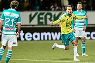 Voetbal Leeuwarden Eredivisie 2014-2015 SC Cambuur - PEC Zwolle: L-R Sander van de Streek van SC Cambuur Leeuwarden scoort de gelijkmaker