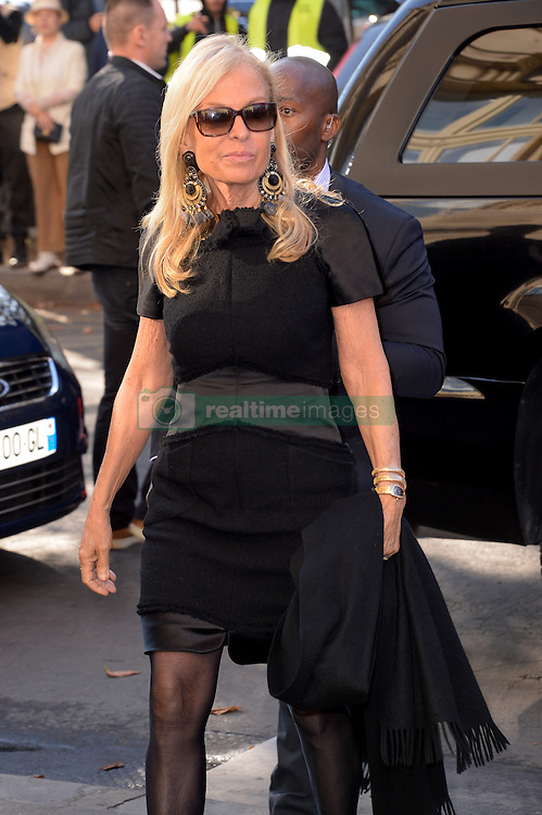 United States Ambassador to France Jane D Hartley arriving at the Chanel show as a part of Paris Fashion Week Ready to Wear Spring/Summer 2017 on October 4, 2016 in Paris, France. Photo by Julien Reynaud/APS-Medias/ABACAPRESS.COM