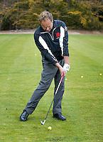 EINDHOVEN - Instructie voor Golf.nl met golfprofessional Eric der Kinderen. COPYRIGHT KOEN SUYK