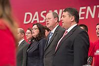 """14 APR 2013,AUGSBURG/GERMANY:<br /> Andrea Nahles, SPD Generalsekretaerin, Peer Steinbrueck, SPD Kanzlerkandidat, und Sigmar Gabriel, SPD Parteivorsitzender, (v.L.n.R.) singen zum Ende des Parteitags """"wann wir schreiten Seit´an Seit´"""", a.o. SPD Bundesparteitag, Messe Augsburg<br /> IMGE: 20130414-01-447<br /> KEYWORDS: Parteitag, party congress, Applaus, klatschen, Jubel, lachen, lacht, freundlich, Peer Steinbrück"""