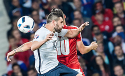 19.06.2016, Stade Pierre Mauroy, Lille, FRA, UEFA Euro, Frankreich, Schweiz vs Frankreich, Gruppe A, im Bild Andre Pierre Gignac (FRA), Granit Xhaka (SUI) // Andre Pierre Gignac (FRA), Granit Xhaka (SUI) during Group A match between Switzerland and France of the UEFA EURO 2016 France at the Stade Pierre Mauroy in Lille, France on 2016/06/19. EXPA Pictures © 2016, PhotoCredit: EXPA/ JFK