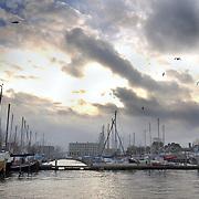 Aankomst Sinterklaas 2003 Huizen, oude haven huizen, wolken