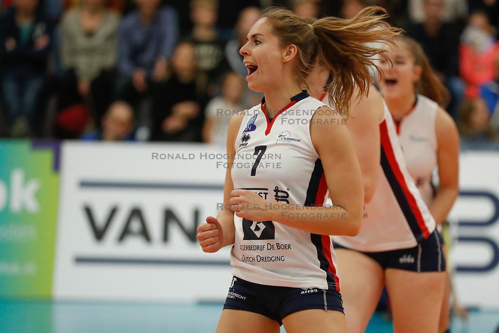 20181024 NED: CL, Sliedrecht Sport - Allianz MTV Stuttgart, Sliedrecht<br />Esther van Berkel (7) of Sliedrecht Sport <br />©2018-FotoHoogendoorn.nl / Pim Waslander