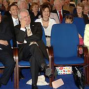 NLD/Huizen/20060323 - Afscheid burgemeester Jos Verdier als burgemester van Huizen, Frans Kolk, Jaap Kos en partner Jos Verdier