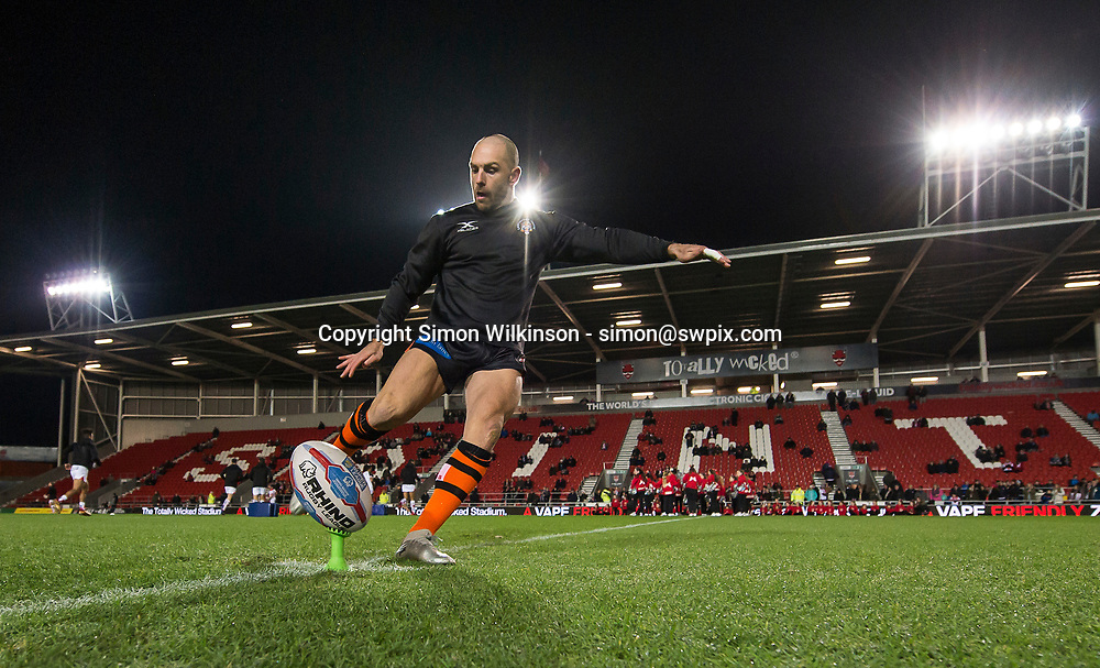 Picture by Allan McKenzie/SWpix.com - 02/02/2018 - Rugby League - Betfred Super League - St Helens v Castleford Tigers - The Totally Wicked Stadium, Langtree Park, St Helens, England - Castleford's Luke Gale warms up with kicking practice as his side prepares to face St Helens in their opening match of the Betfred Super League.