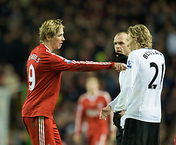 LIVERPOOL, ENGLAND - Saturday, November 22, 2008: Liverpool's Fernando Torres argues with Fulham's Jimmy Bullard during the Premiership match at Anfield. (Photo by David Rawcliffe/Propaganda)