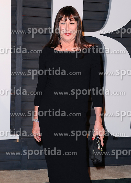 22.02.2015, Wallis Anneberg Center for the Performing Arts, Beverly Hills, USA, Vanity Fair Oscar Party 2015, Roter Teppich, im Bild Anjelica Huston // during the red Carpet of 2015 Vanity Fair Oscar Party at the Wallis Anneberg Center for the Performing Arts in Beverly Hills, United States on 2015/02/22. EXPA Pictures &copy; 2015, PhotoCredit: EXPA/ Newspix/ PGSK<br /> <br /> *****ATTENTION - for AUT, SLO, CRO, SRB, BIH, MAZ, TUR, SUI, SWE only*****