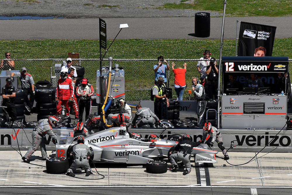 20-21 August, 2016, Long Pond, Pennsylvania USA<br /> Will Power, pit stop<br /> &copy;2016, Scott R LePage <br /> LAT Photo USA