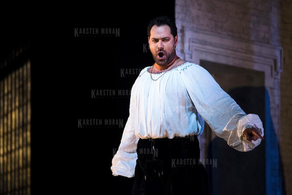 September 23, 2015 - New York, NY : Ildar Abdrazakov performs as Henry (Enrico) VIII in a dress rehearsal for Gaetano Donizetti's 'Anne Bolena' at the Metropolitan Opera at Lincoln Center on Wednesday. CREDIT: Karsten Moran for The New York Times
