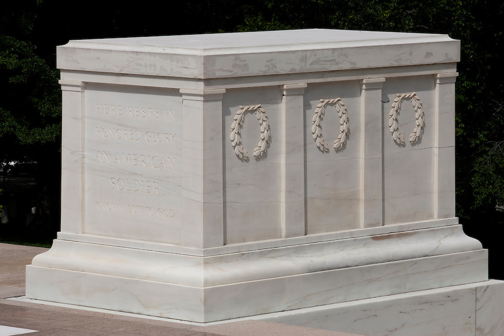 Tomb of the unknown soldier, Arlington national cemetery, Virginia, United States of America, Friday, May 15, 2009. Credit:SNPA / Ben Campbell