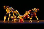 pillobolus.festival de Vaison la Romaine.photos:Arnold Jerocki/artcomart