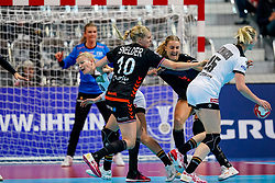 08-12-2019 JAP: Netherlands - Germany, Kumamoto<br /> First match Main Round Group1 at 24th IHF Women's Handball World Championship, Netherlands lost the first match against Germany with 23-25. / Danick Snelder #10 of Netherlands, Kelly Dulfer #18 of Netherlands, Antje Lauenroth #29 of Germany, Kim Naidzinavicius #15 of Germany