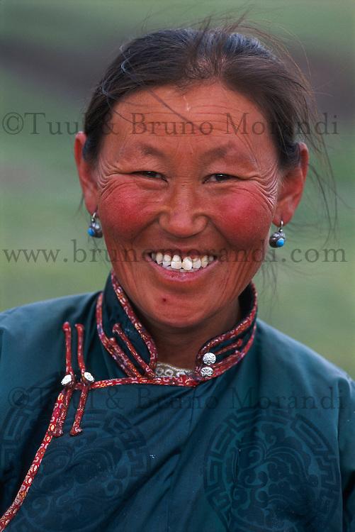 Mongolie, Province d'Arkhangai, femme Nomade. // Mongolia, Arkhangai province, Nomad woman.