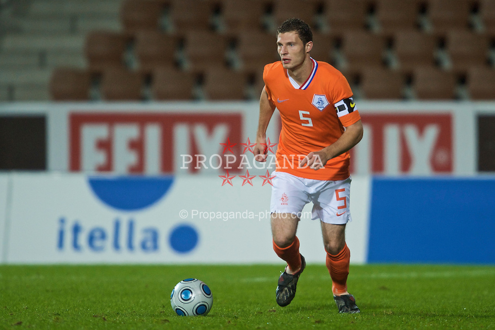 HELSINKI, FINLAND - Friday, October 9, 2009: The Netherlands' captain Erik Pieters (PSV Eindhoven) during the UEFA Under-21 Championship Qualifying Round Group 4 match against Finland at the Finnair Stadium. (Pic by David Rawcliffe/Propaganda)