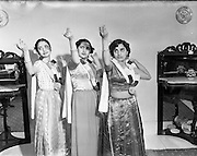 08/01/1953<br /> 01/08/1953<br /> 08 January 1953<br /> Indian village dance scenes for Mr Bisuras Day, 11, Charleville Road, Rathmines, Dublin.