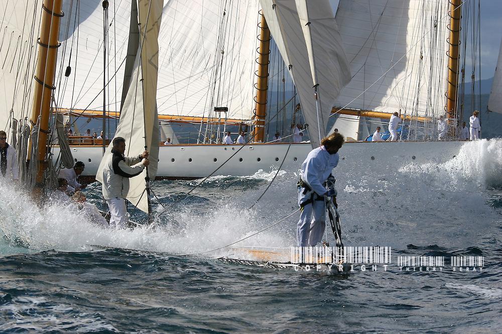 Moonbeam of Fife au premier plan et Eleonora au second. Voiles de St Tropez 2005