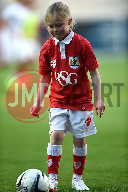 - Photo mandatory by-line: Paul Knight/JMP - Mobile: 07966 386802 - 07/04/2015 - SPORT - Football - Bristol - Ashton Gate Stadium - Bristol City v Swindon Town - Sky Bet League One