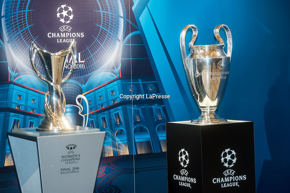 22-04-2016 Milan, Italy.<br /> Opening of the exhibition of the UEFA Champions League Cup at Palazzo Marino.<br /> Photo credit: Cruciatti / LaPresse<br /> In the Photo: Opening of the exhibition of the UEFA Champions League Cup at Palazzo Marino