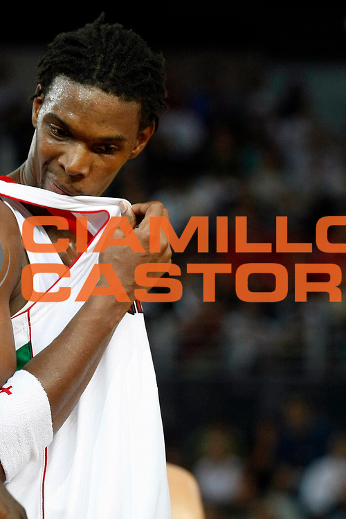 DESCRIZIONE : Roma Nba Europe Live Tour 2007 Toronto Raptors Boston Celtics <br /> GIOCATORE : Chris Bosh<br /> SQUADRA : Toronto Raptors<br /> EVENTO : Nba Europe Live Tour 2007<br /> GARA : Toronto Raptors Boston Celtics<br /> DATA : 06/10/2007<br /> CATEGORIA : Ritratto<br /> SPORT : Pallacanestro<br /> AUTORE : Agenzia Ciamillo-Castoria/G.Cottini