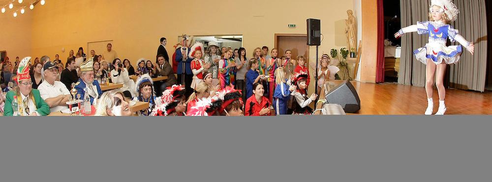 Mannheim. Lindenhof. Maria Hilf. Gardeball der Grokageli. Diverse Vereine zeigen im Gardetanz ihr K&circ;nnen. Stadtprinzessin Jessica I ist mit dabei.<br /> <br /> <br /> Bild: Markus Proflwitz / masterpress /  <br /> <br /> ++++ Archivbilder und weitere Motive finden Sie auch in unserem OnlineArchiv. www.masterpress.org oder &cedil;ber das Metropolregion Rhein-Neckar Bildportal   ++++ *** Local Caption *** masterpress Mannheim - Pressefotoagentur<br /> Markus Proflwitz<br /> C8, 12-13<br /> 68159 MANNHEIM<br /> +49 621 33 93 93 60<br /> info@masterpress.org<br /> Dresdner Bank<br /> BLZ 67080050 / KTO 0650687000<br /> DE221362249
