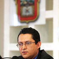 Toluca, Mex.- Roman Villanueva Tostado, Contralor Interno de la Procuraduria del Estado de Mexico (PGJEM), durante la conferencia donde anuncio la iniciativa de carrera de la PGJEM. Agencia MVT / Javier Rodriguez. (DIGITAL)<br /> <br /> NO ARCHIVAR - NO ARCHIVE
