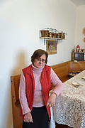 Mezzojuso, Sicily: Gina mamma delle sorelle Napoli in un momento di sconforto per i danni subiti dalla mafia dei pascoli.<br /> Mezzojuso, Sicily: Gina, mother of Napoli sisters cries because of the stress of the struggling against &quot;cattle mafia&quot;.
