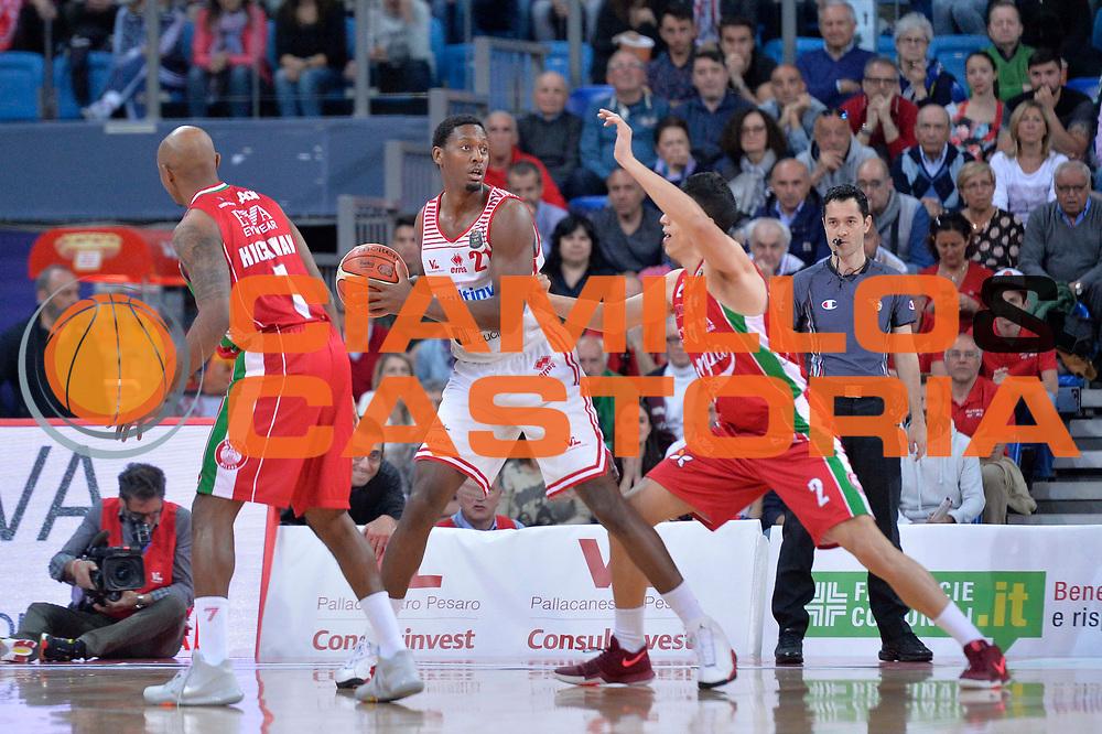 Jarrod Jones<br /> Consultinvest Victoria Libertas Pesaro - EA7 Emporio Armani Olimpia Milano<br /> Lega Basket Serie A 2016/2017<br /> Pesaro, 30/04/2017<br /> Foto Ciamillo - Castoria