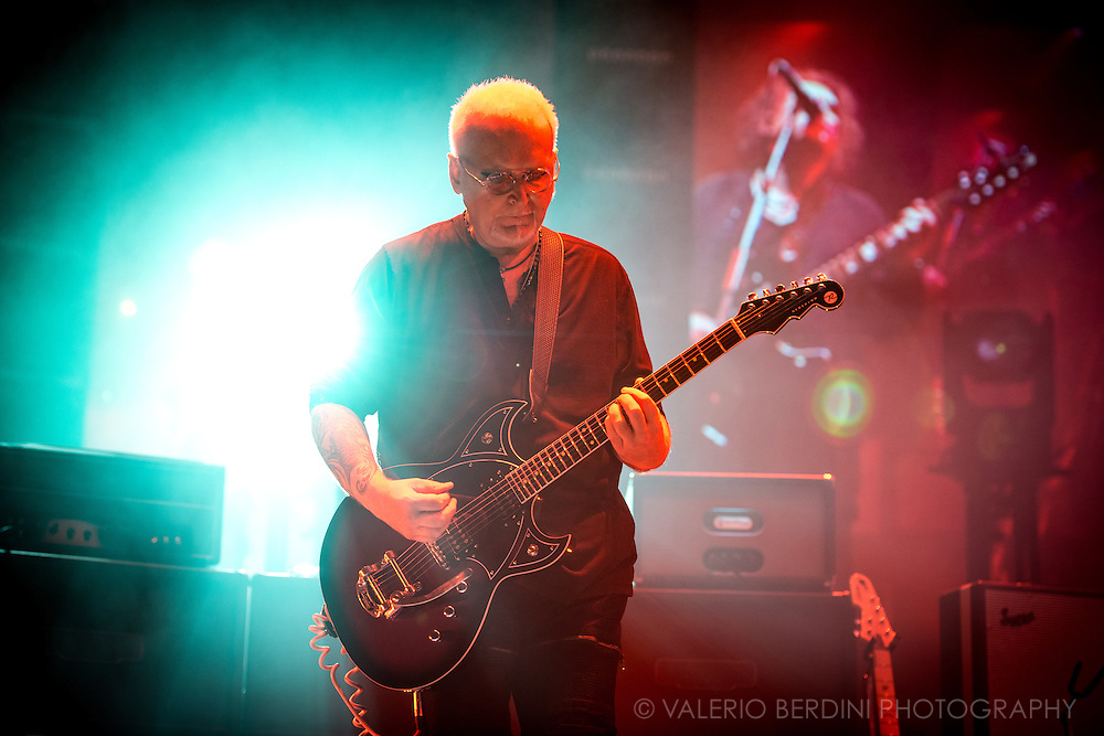 The Cure Reeves Gabrels on the last date of their world tour 2016, after a year around the world the band closed in style at the Wembley Arena in London on 3 December 2016