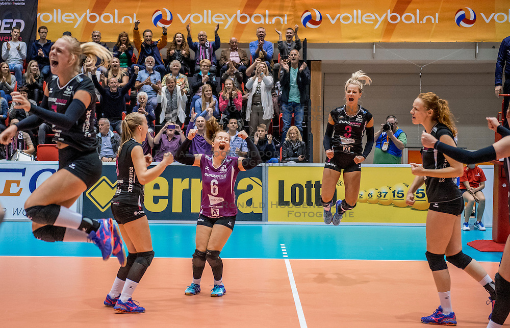 02-10-2016 NED: Supercup VC Sneek - Eurosped, Doetinchem<br /> Eurosped wint de Supercup door Sneek met 3-0 te verslaan / Kim de Wild #6 of Eurosped, Judith Kamphuis #3 of Eurosped