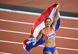Dafne Schippers of the Netherlands celebrates her gold medal finish - Mandatory byline: Patrick Khachfe/JMP - 07966 386802 - 11/08/2017 - ATHLETICS - London Stadium - London, England - Women's 200m Final - IAAF World Championships
