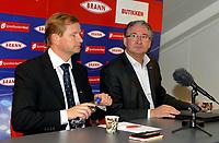 Fotball<br /> Tippeligaen<br /> 19.10.2009<br /> Pressekonferanse ang. økonomien<br /> Brann stadion<br /> Controller Terje Martinsen (l) og daglig leder i Brann Bjørn Dahl (r)<br /> Foto : Astrid M. Nordhaug